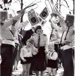 Mevrouw Dijkstra, oprichtster van het tamboerkorps.